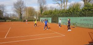 31 maart Openings Toss en Tennisclinic voor de Jeugd